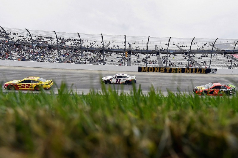 Hamlin blasts 24-lap-down NASCAR Cup rival Logano for Dover blocking