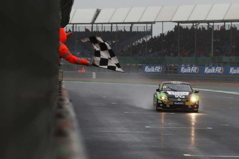 Silverstone BTCC: Goff earns Team Hard's first win after tyre gamble