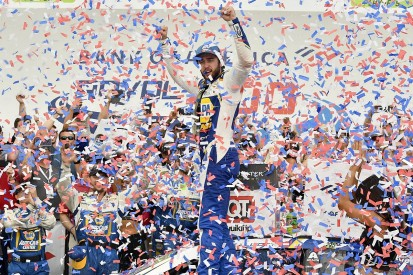 Elliott rebounds from crash to win NASCAR Cup Series Roval thriller