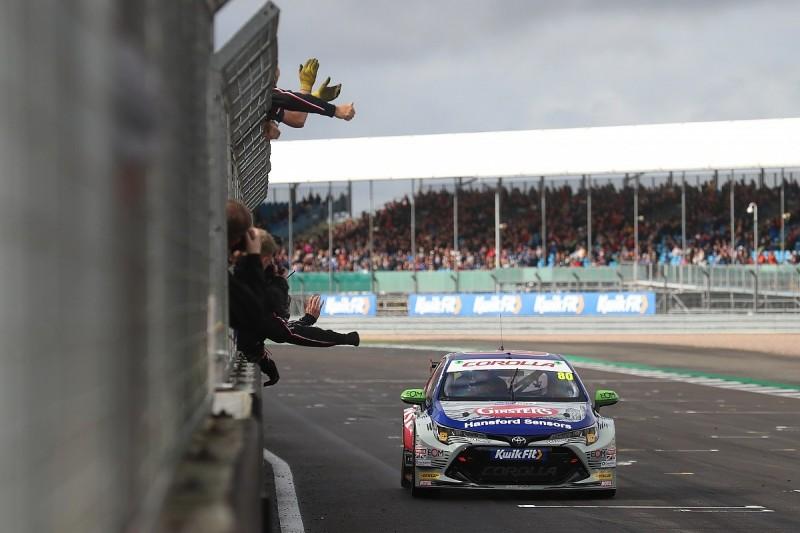 Silverstone BTCC: Tom Ingram jumps Jason Plato for victory