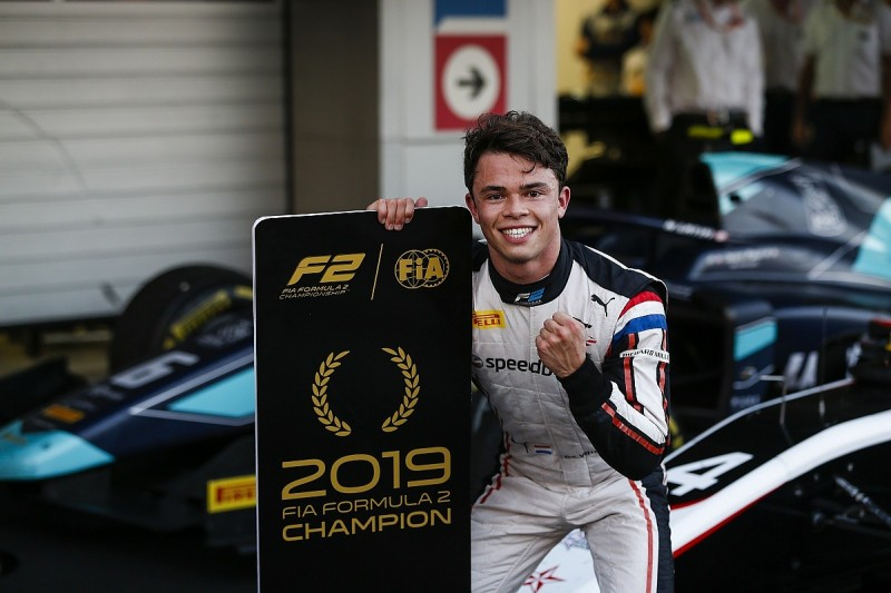 Sochi F2: ART's de Vries seals title early with win in feature race