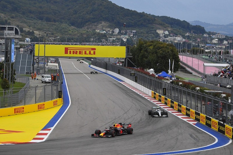 """Mercedes: Red Bull, Ferrari """"too quick"""" after gains in Friday practice"""