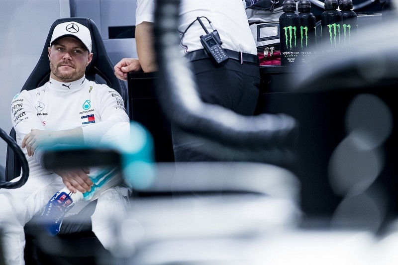 Asking Bottas to back off to help Hamilton 'not great' - Wolff