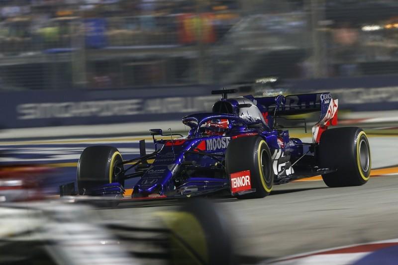Kvyat slams Raikkonen for Singapore crash that put Alfa F1 star out
