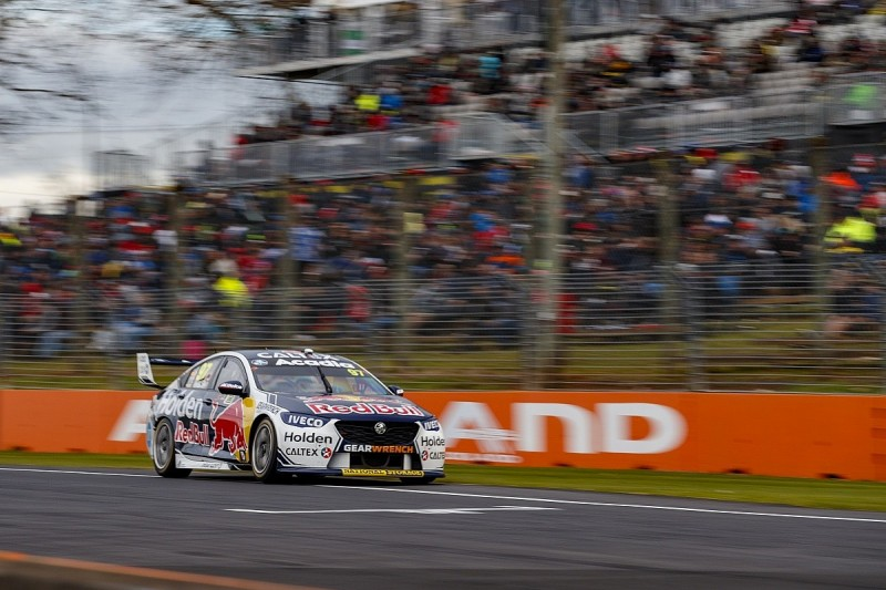 Van Gisbergen takes Supercars Pukekohe win, Whincup loses second