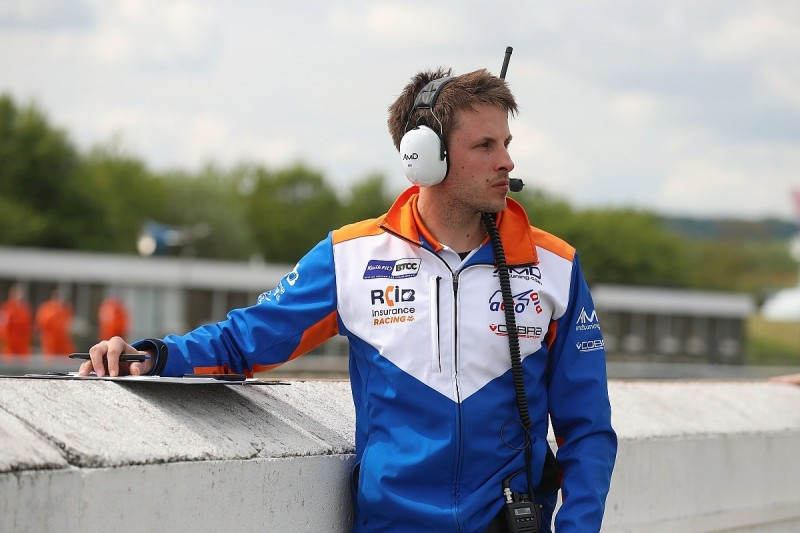 Bushell pauses engineer job to replace Tordoff in BTCC at Knockhill