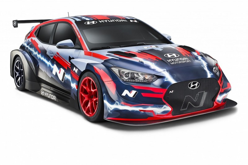Hyundai unveils new electric Veloster built to E TCR regulations
