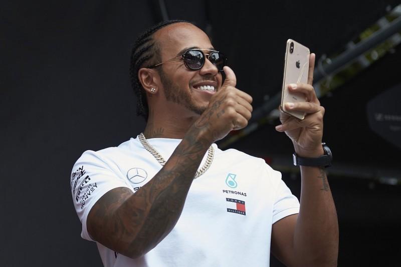 Hamilton 'cracked up' at Verstappen's dig at ex-F1 champion Rosberg