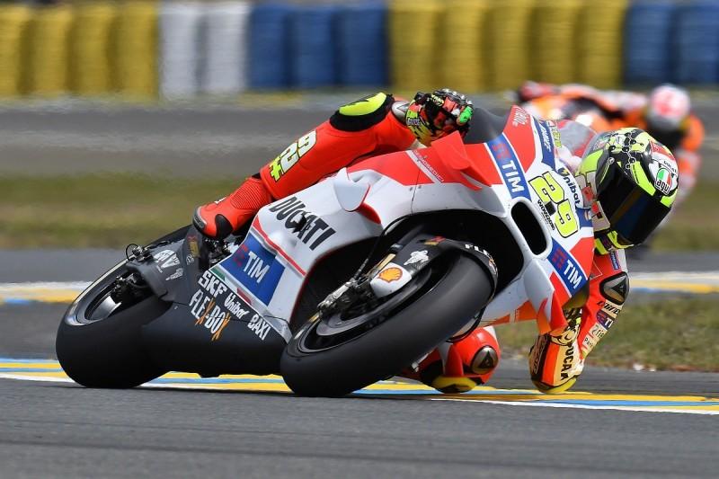 Following Jorge Lorenzo was easy until MotoGP crash - Andrea Iannone