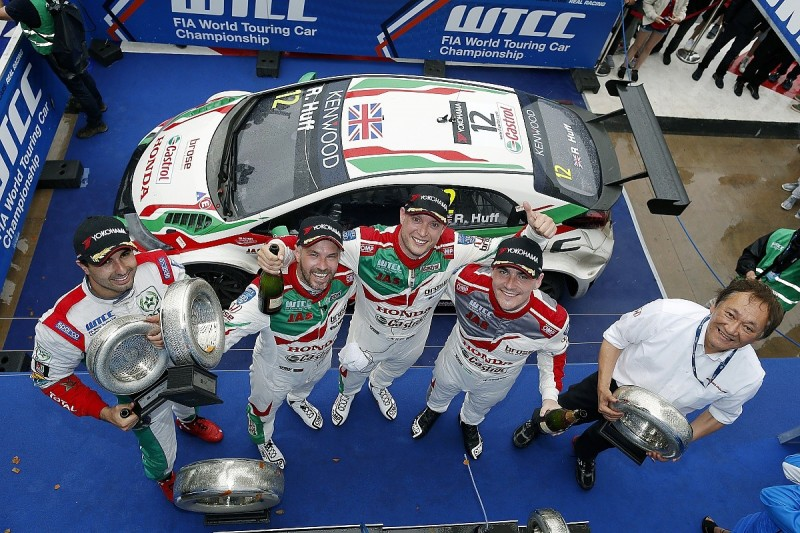 WTCC Morocco: Rob Huff leads Honda 1-2-3 in the wet