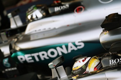 Lewis Hamilton can still fight for F1 title - Nico Rosberg
