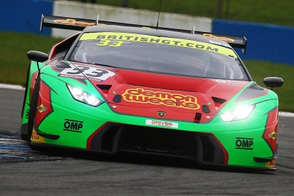 Factory-supported Barwell expands to run three British GT Lamborghinis
