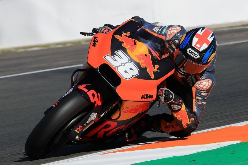 Dropping Bradley Smith for 2018 would have been unfair - KTM boss