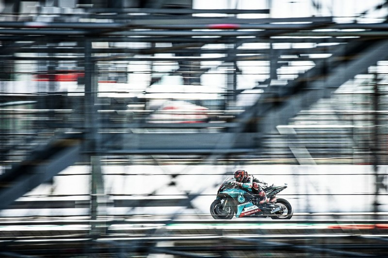 Quartararo beats Silverstone MotoGP lap record and tops FP3