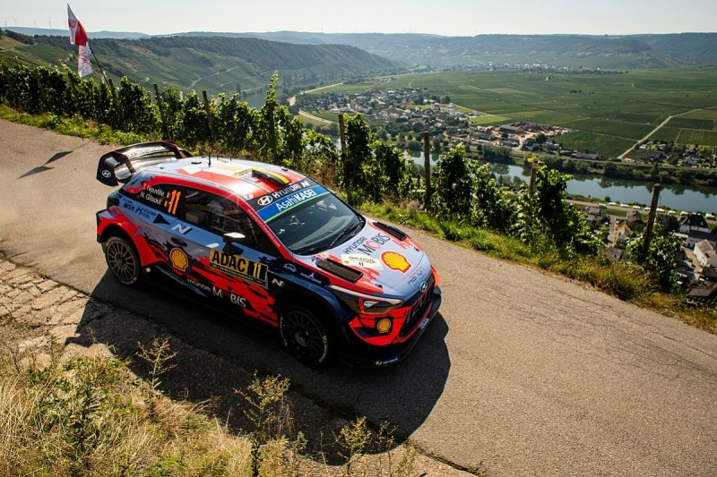 Rally Germany WRC: Puncture deals blow to Neuville's hopes of title