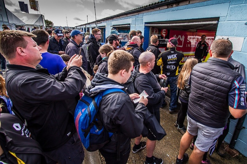 BTCC to trial reversed pit garage set-up for fans at Silverstone