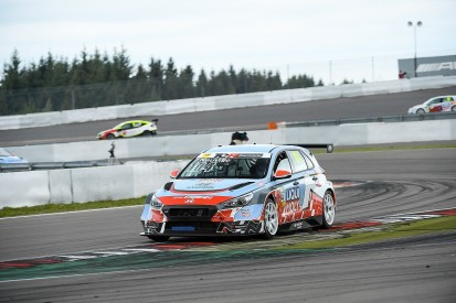 WRC's Neuville dominates on TCR Germany circuit racing debut