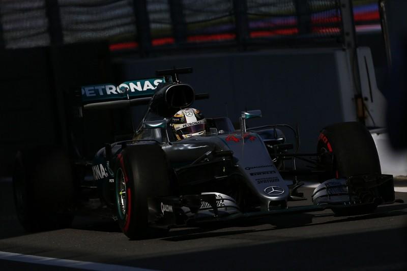 Mercedes' Hamilton bemoans lack of grip during Russian GP practice