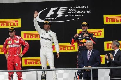 Ricciardo: Hamilton kept cooler head than Vettel in F1 2017 fight