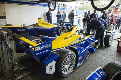 Renault e.dams first team to test season three Formula E technology