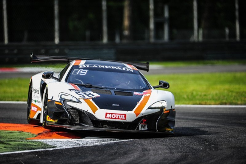 Blancpain GT Monza: Garage 59 McLaren holds off HTP Mercedes