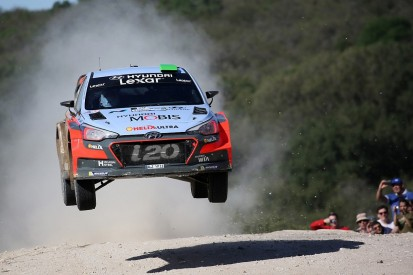 Paddon leads into final day of Rally Argentina after Latvala crash
