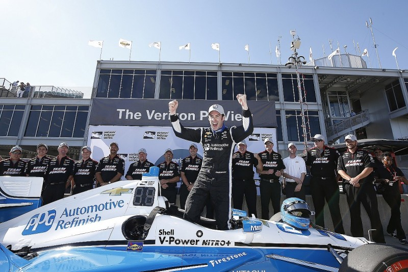 Simon Pagenaud sets record pace to take Barber IndyCar pole