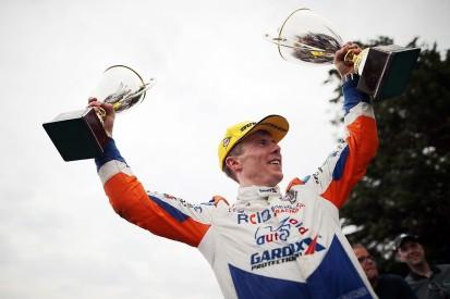 Snetterton BTCC: Butcher makes late pass to secure race three win