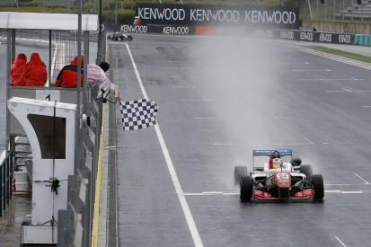 Ben Barnicoat takes maiden European Formula 3 win at Hungaroring