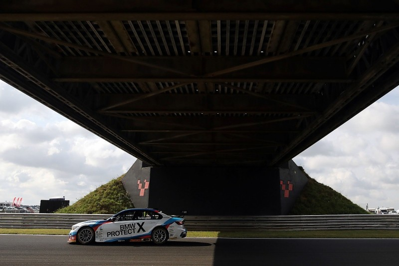 BTCC Snetterton: Turkington extends points lead with race two win