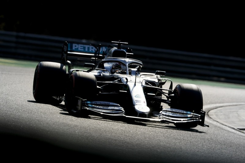 """Hamilton: Mercedes F1 car's Hungary pace """"plateaued"""" in qualifying"""