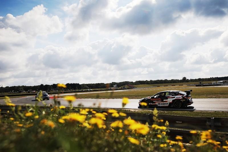 Snetterton BTCC: Dan Cammish fastest in both practice sessions