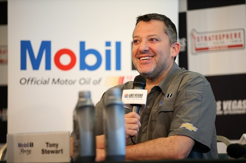 NASCAR fines Tony Stewart for criticism over rules