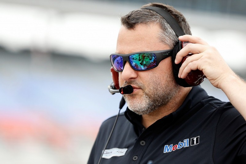 Tony Stewart cleared to return to racing for Richmond NASCAR round