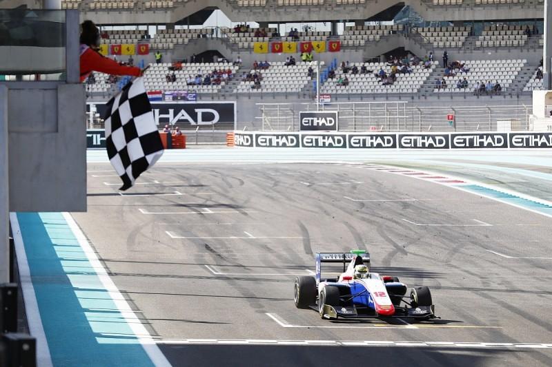 Boccolacci takes maiden GP3 win, Macau GP victor Ticktum third