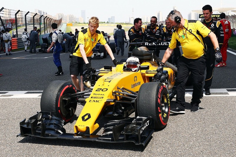 Renault admits it has no excuses for works F1 team's poor 2016 form