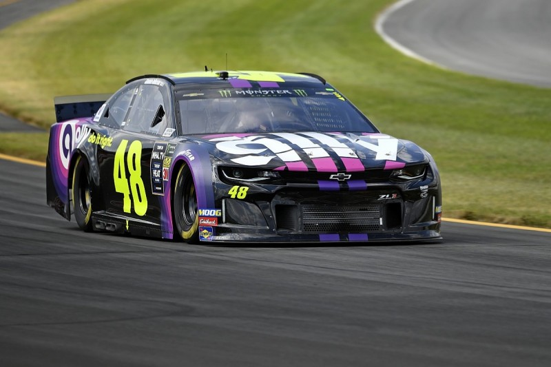 Hendrick Motorsports gives Jimmie Johnson new NASCAR Cup crew chief