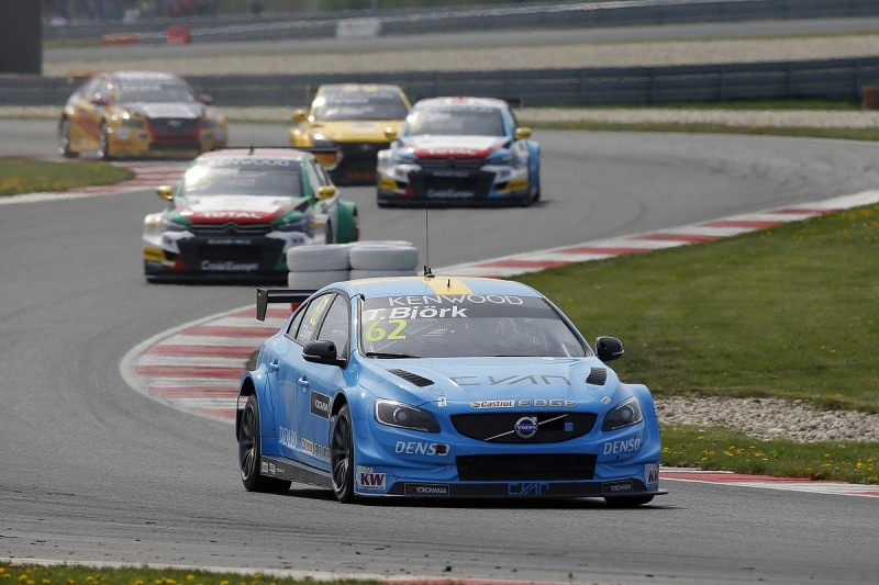 Volvo loses best WTCC result with Bjork excluded from Slovakia Ring