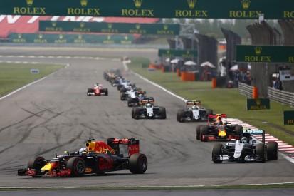 Ricciardo rues 'double whammy heavyweight punch' in Chinese GP