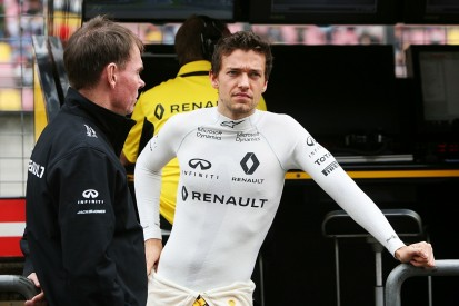 Chinese GP qualifying 'catastrophic' for Renault's Jolyon Palmer