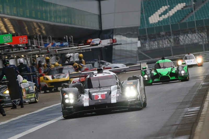 Silverstone WEC: Porsche pair lead opening practice session