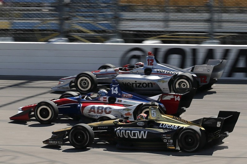 """Hinchcliffe: Low sun in Iowa IndyCar race could be """"very dangerous"""""""