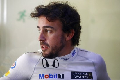 McLaren's Alonso to manage rib pain during Chinese Grand Prix