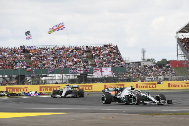 """Wolff glad """"borderline dirty"""" driving allowed in Formula 1"""
