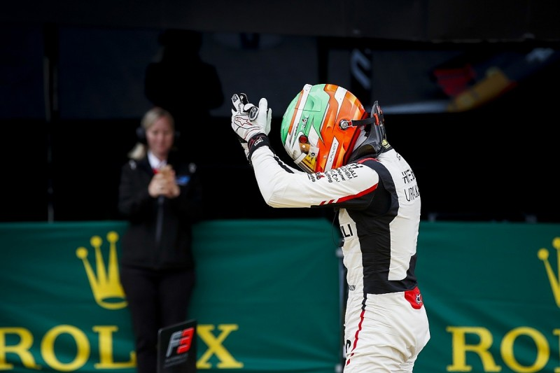 Silverstone F3: Leo Pulcini ends difficult streak with victory