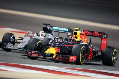 Red Bull F1 car 'as quick as Mercedes' in corners reckons Sainz