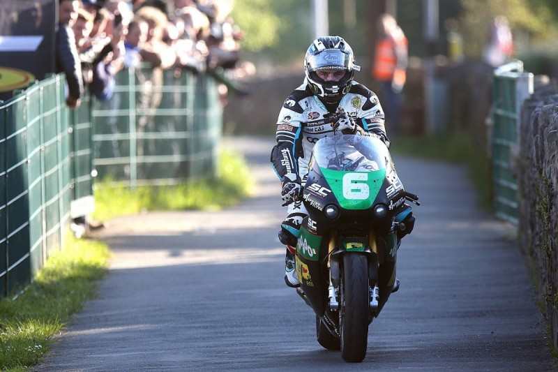 "Dunlop ""back on my feet"" after Superbike Southern 100 smash"