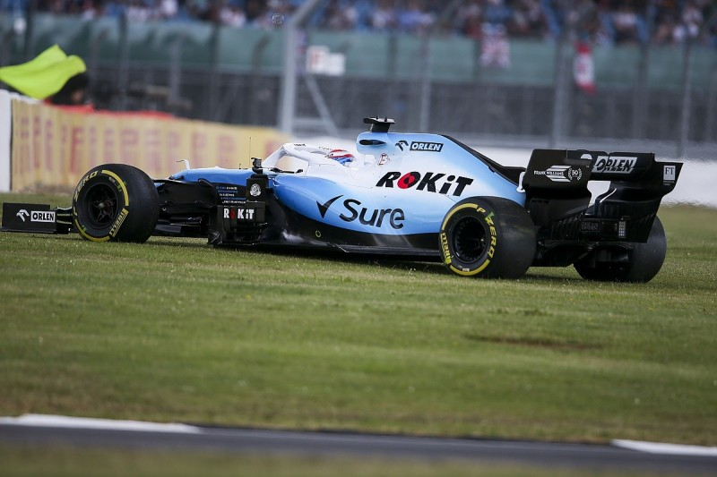 Russell: F1 drivers made to 'look like idiots' by Silverstone wind