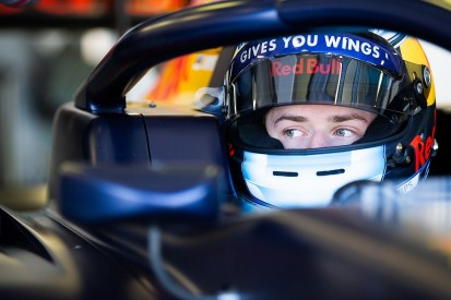 Vips take first F3 pole of 2019 for Hitech GP at Silverstone