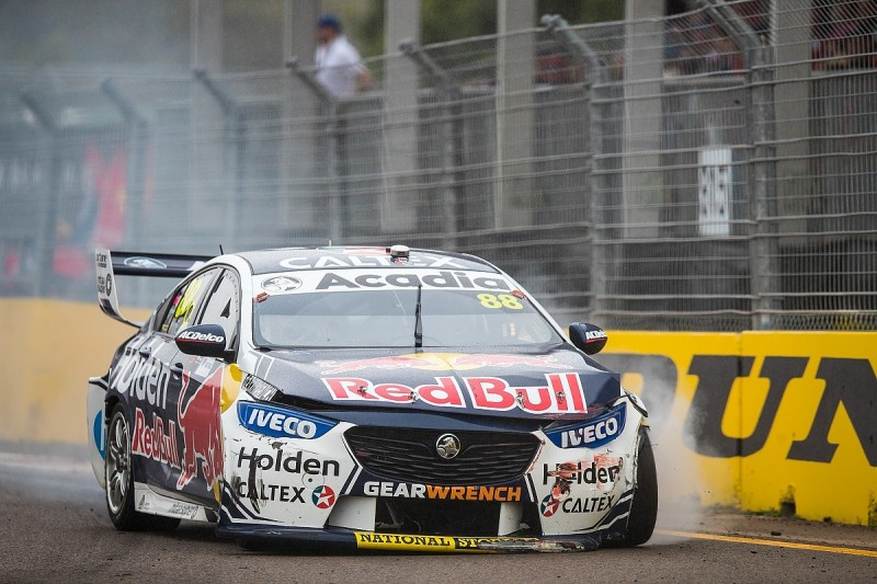 Whincup could have won Supercars race with strategy before crash